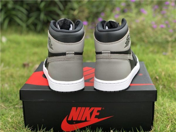 Air Jordan 1 Retro High OG Shadow 2018 heel look