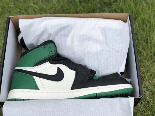 Air Jordan 1 Retro High OG Pine Green in box