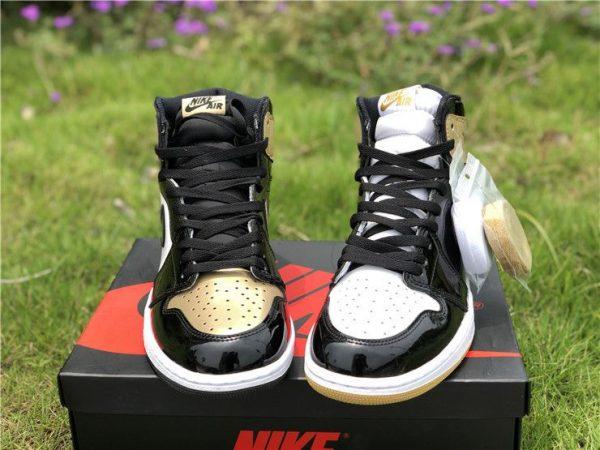 Jordan 1 Retro High Gold Top 3 - 861428-001 tongue