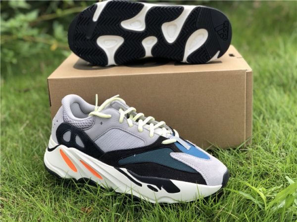 Adidas Yeezy Boost 700 Wave Runner Solid Grey sneaker