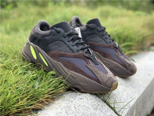 adidas Yeezy Boost 700 Mauve 2018 sneaker