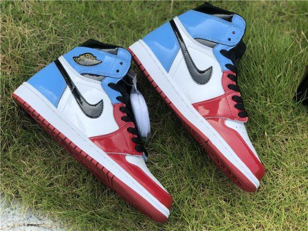 Air Jordan 1 High OG Fearless swoosh