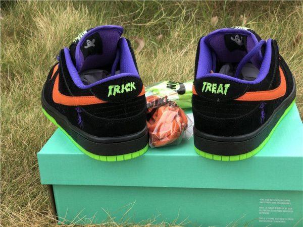 Nike SB Dunk Low Night of Mischief Heel