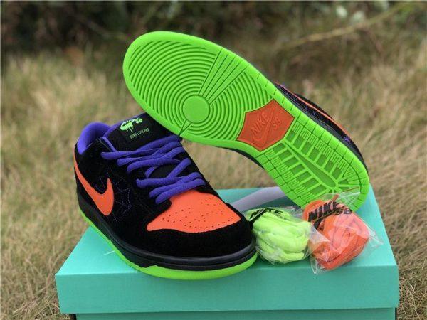 Nike SB Dunk Low Night of Mischief sole