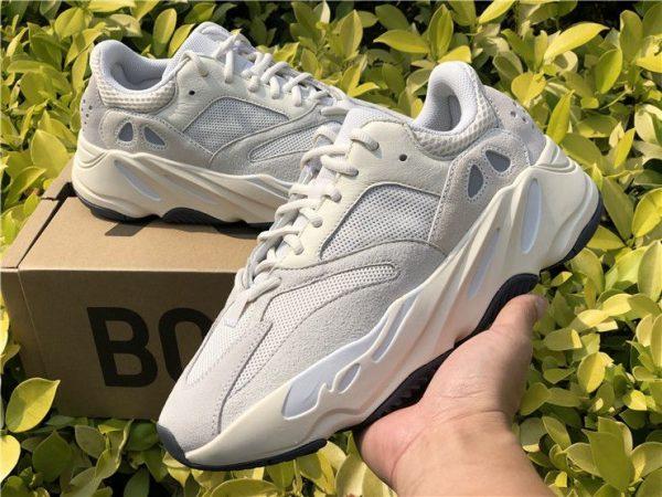 adidas Yeezy Boost 700 Analog sneaker