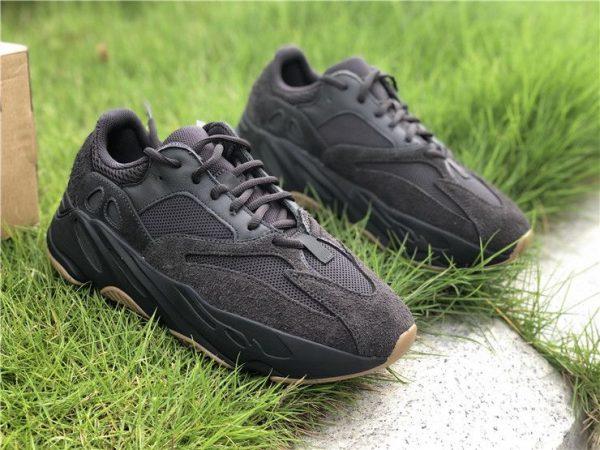adidas Yeezy Boost 700 Utility Black FV5304 sneaker