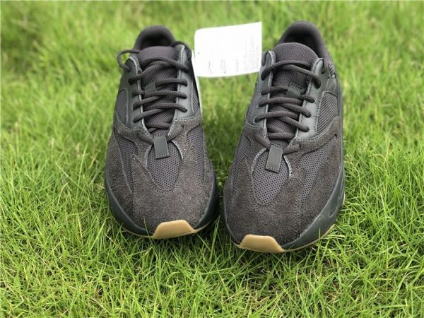 adidas Yeezy Boost 700 Utility Black Sneaker
