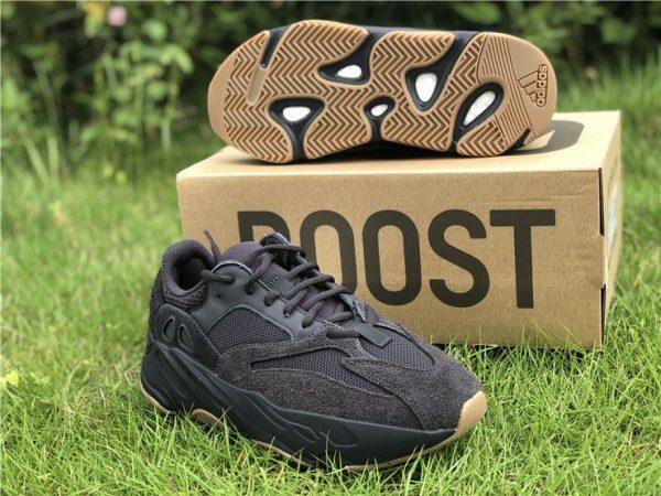adidas Yeezy Boost 700 Utility Black gum bottom