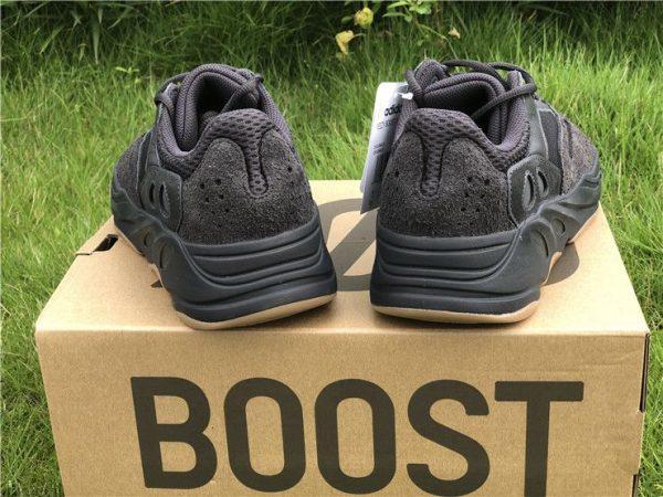 adidas Yeezy Boost 700 Utility Black heel