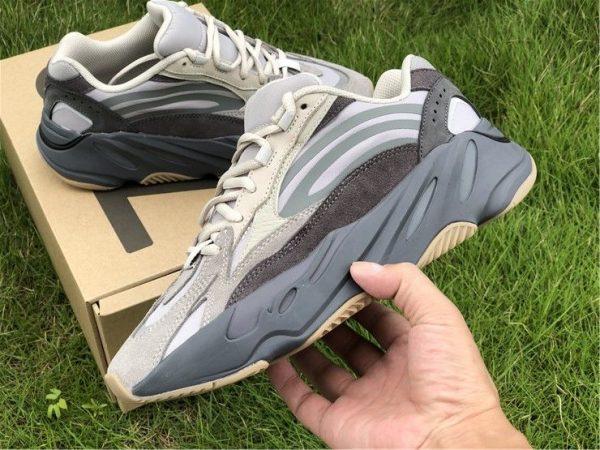 adidas Yeezy Boost 700 V2 - Fu7914