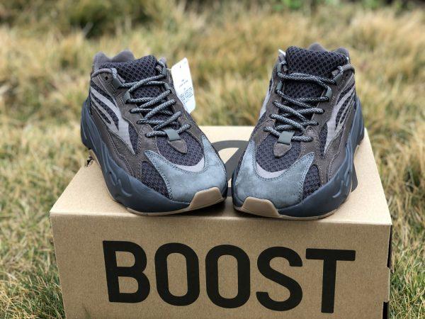 adidas Yeezy Boost 700 V2 Geode grey toe