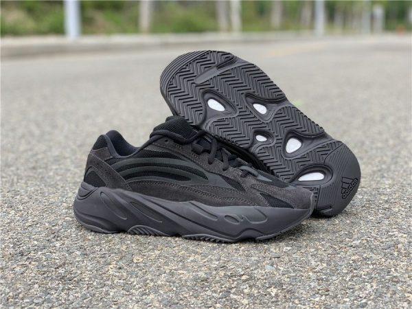 adidas Yeezy Boost 700 V2 Vanta sneaker