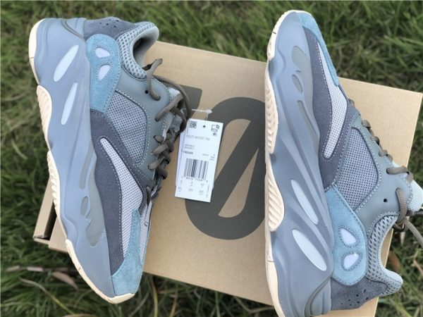 Yeezy Boost 700 Teal Blue Adidas lateral