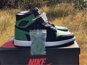 Air Jordan 1 High OG Black Pine Green
