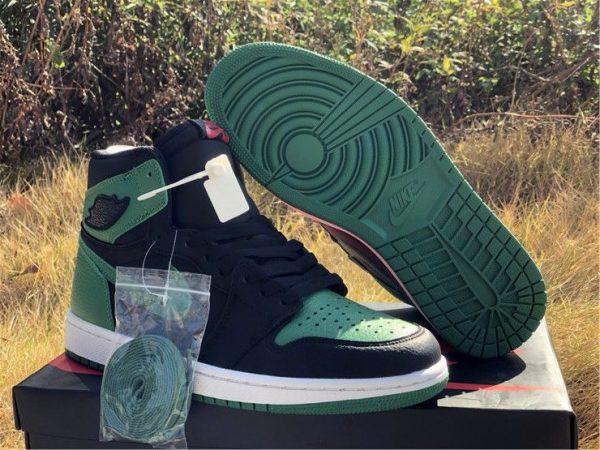 Air Jordan 1 High OG Black Pine Green bottom