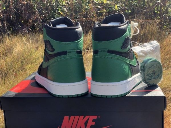 Air Jordan 1 High OG Black Pine Green heel