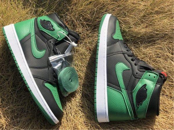 Air Jordan 1 High OG Black Pine Green shoelaces