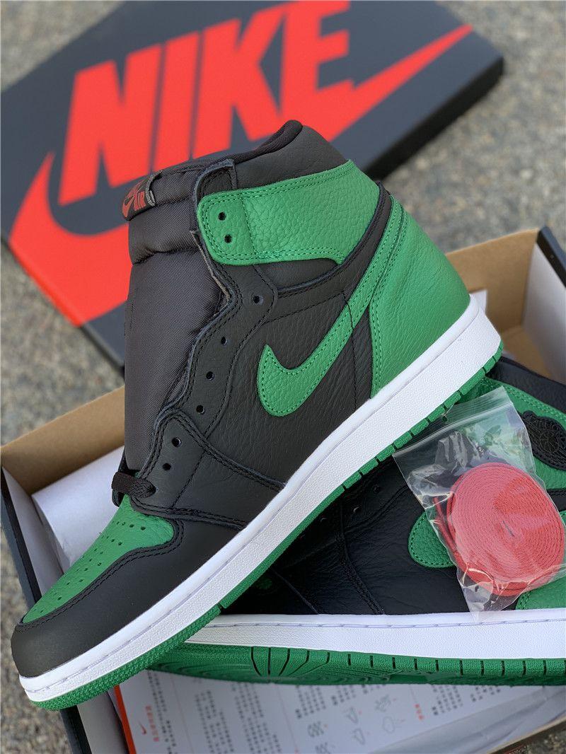 Pine Green Jordan 1 High OG Black detail