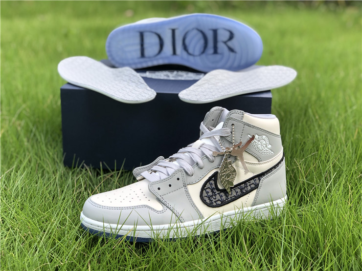 Air Jordan 1 Dior High for sale with new box