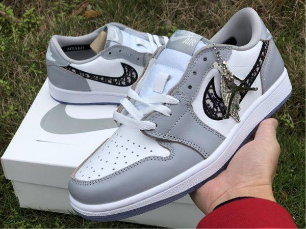 Air Jordan 1 Low Dior sneaker