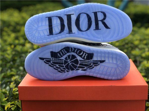 Dior x Air Jordan 1 High OG 2020 bottom sole look
