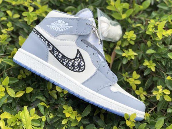 Dior x Air Jordan 1 High OG 2020 logo