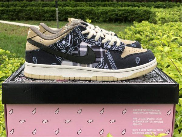 Nike SB Dunk Low x Travis Scott Black
