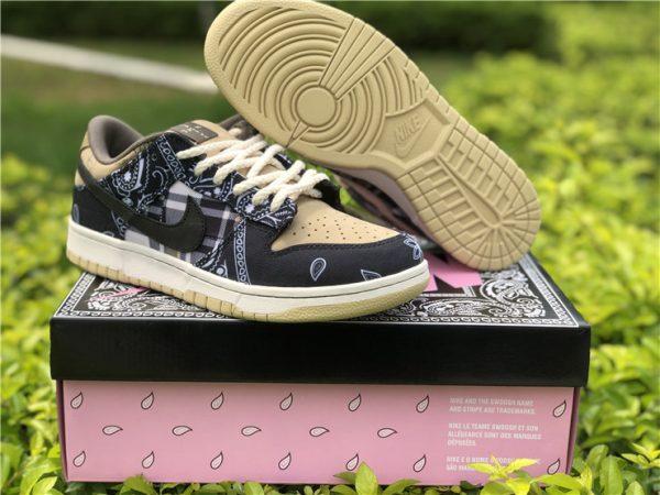 Travis Scott Black Nike SB Dunk Low with box