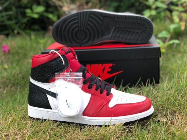 Air Jordan 1 High OG Satin Snake Chicago