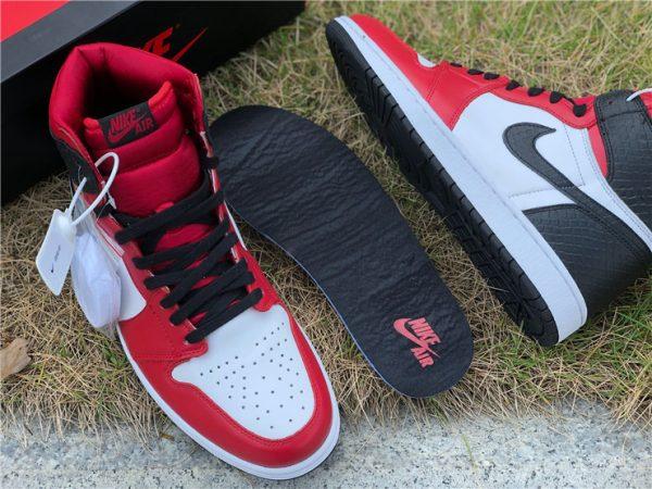 Air Jordan 1 High OG Satin Snake insole