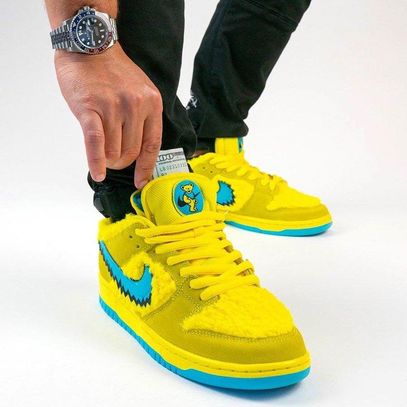 Grateful Dead x Nike SB Dunk Low Yellow Bear On Feet