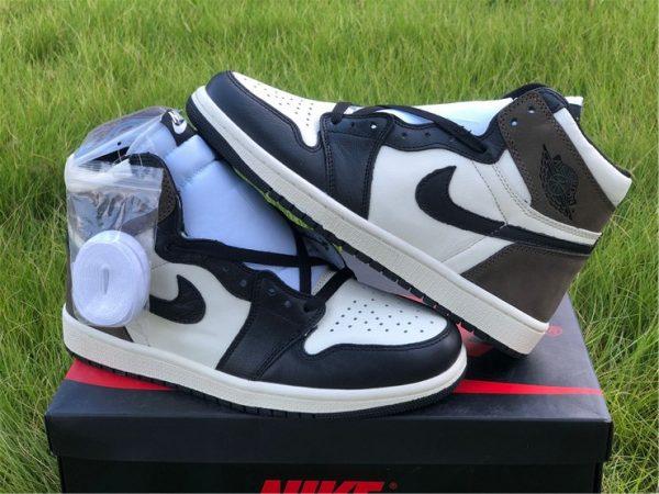 2020 Air Jordan 1 Dark Mocha both shoelaces