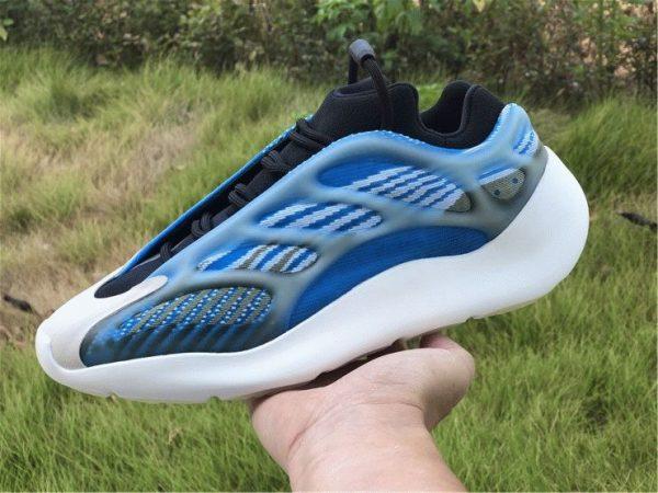2020 adidas Yeezy 700 V3 Azareth on hand look