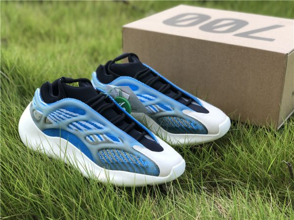 2020 adidas Yeezy 700 V3 Azareth with box