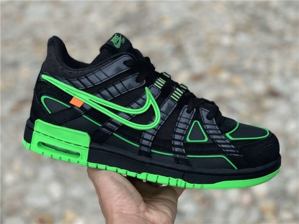 Off-White x Air Rubber Dunk Green Strike Nike on hand