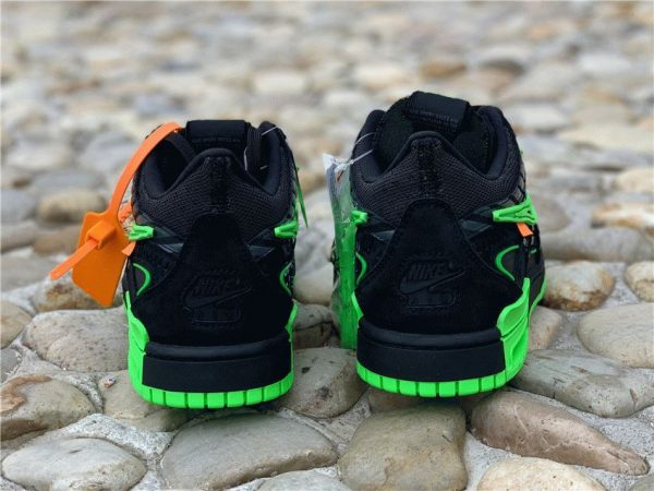 Off-White x Air Rubber Dunk Green Strike black heel