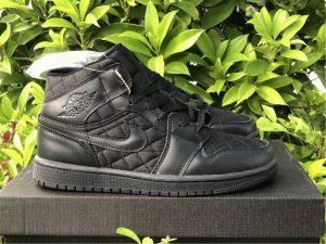 Air Jordan 1 Mid Triple Black Quilted