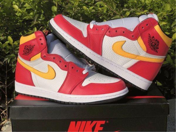 Air Jordan 1 High OG Light Fusion Red sneaker
