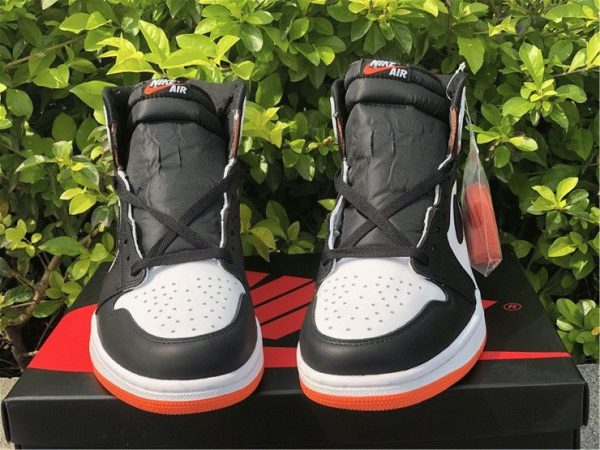 Air Jordan 1 High OG GS Electro Orange tongue