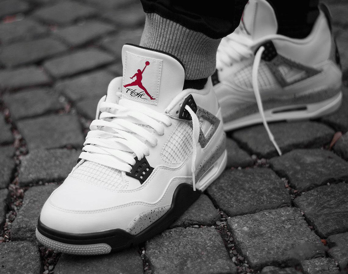 Air Jordan 4 White Oreo Tech Grey on feet