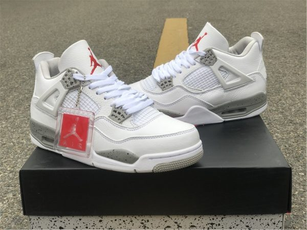 Air Jordan 4 White Oreo Tech Grey sneaker