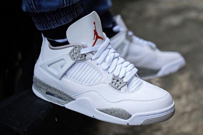 Air Jordan 4 White Oreo on feet