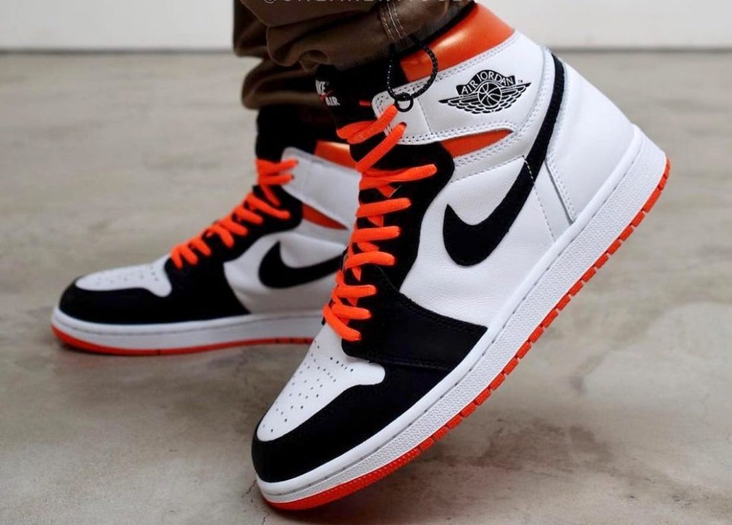 on foot look Jordan 1 High OG GS Electro Orange