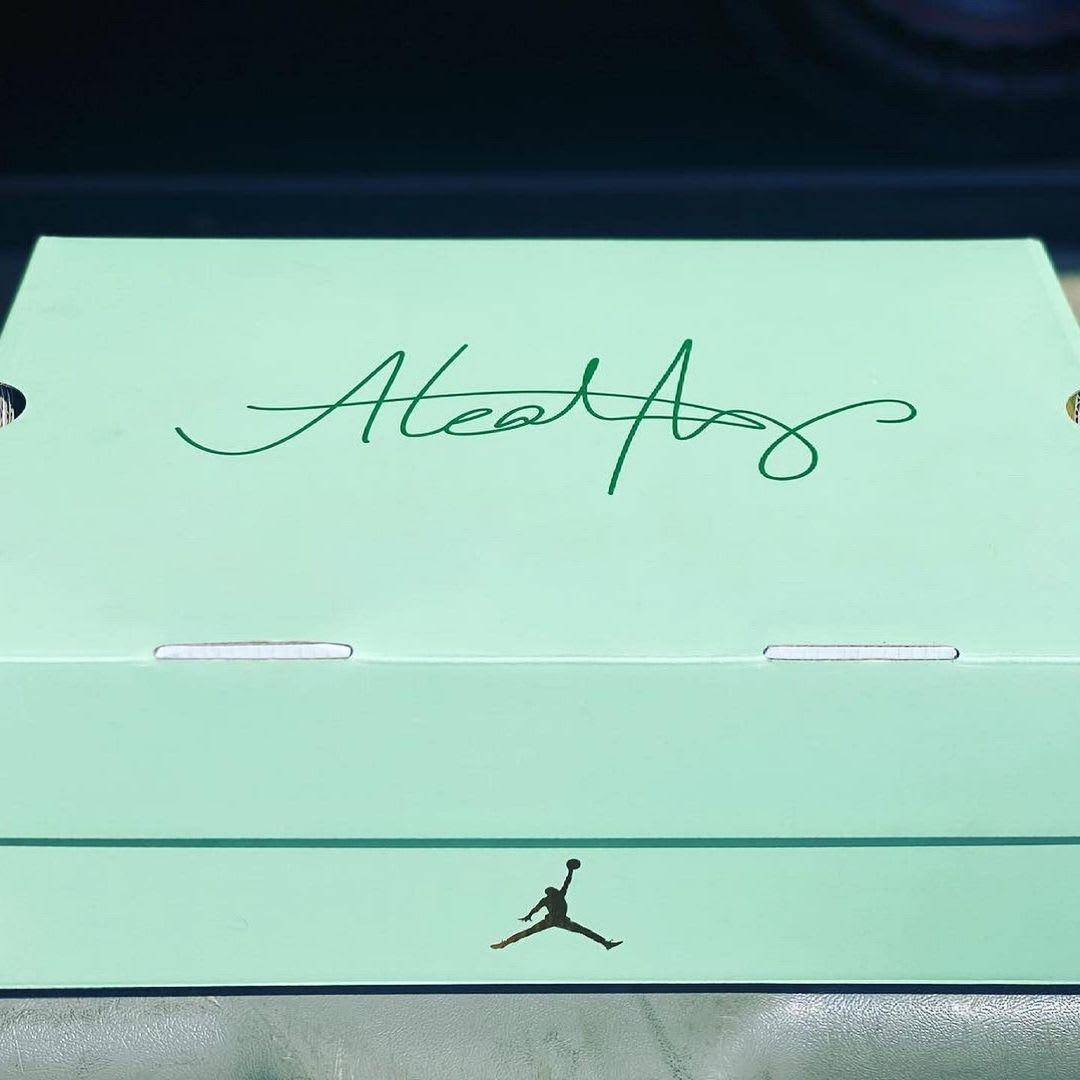 Aleali May Air Jordan 14 Low box