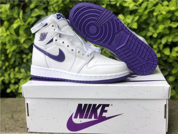 Air Jordan 1 Retro High Court Purple underfoot