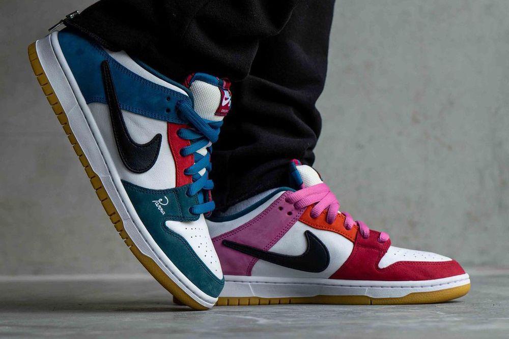 Asymmetrical Colorblocking Parra Nike SB Dunk Low on foot