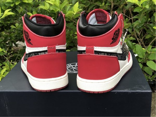 Dior x Air Jordan 1 High Chicago back heel