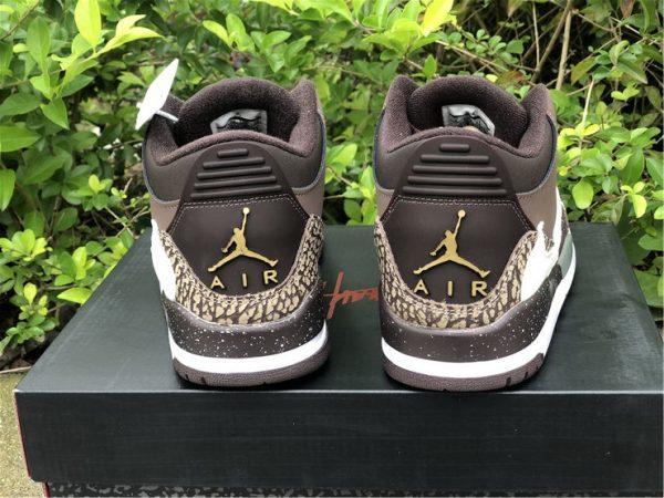 Travis Scott x Air Jordan 3 gold heel