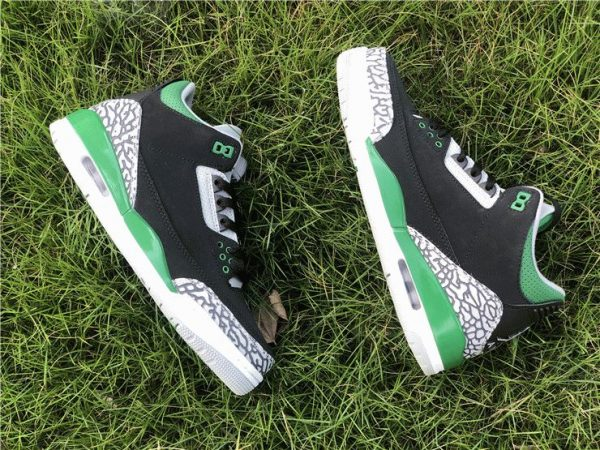 Air Jordan 3 Pine Green side