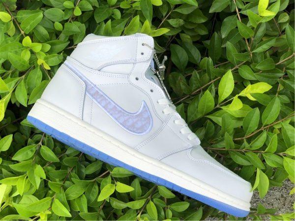 Dior x Air Jordan 1s White Grey lateral side
